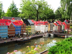 Legoland's version for Nyhavn.