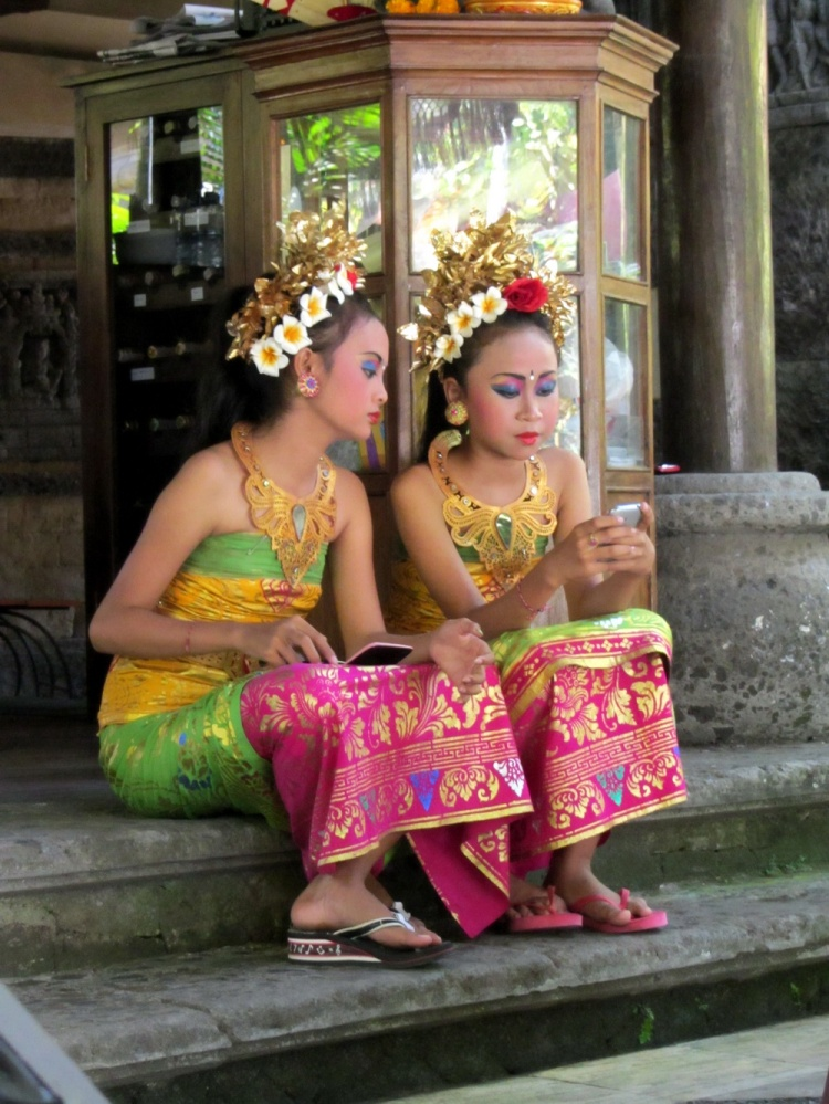 Ubud dancers between performances