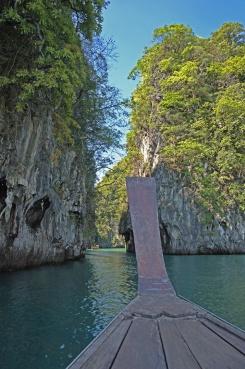 The secret passageway to the hidden bay of Koh Hong