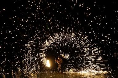 Human firework show at Bo Phut night market